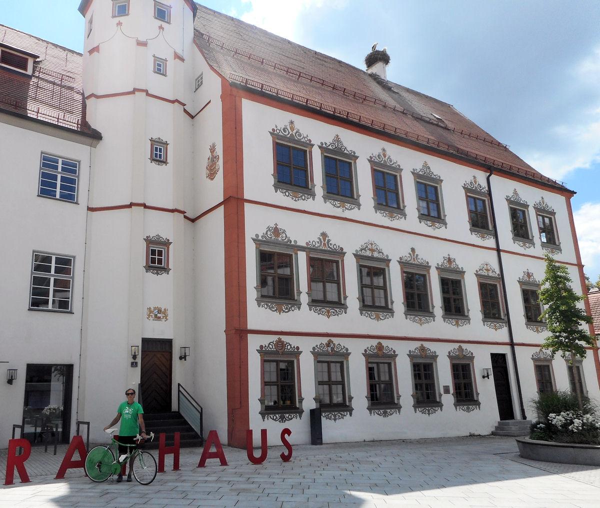 06_Rathaus_Fuggerschloss_A.jpg
