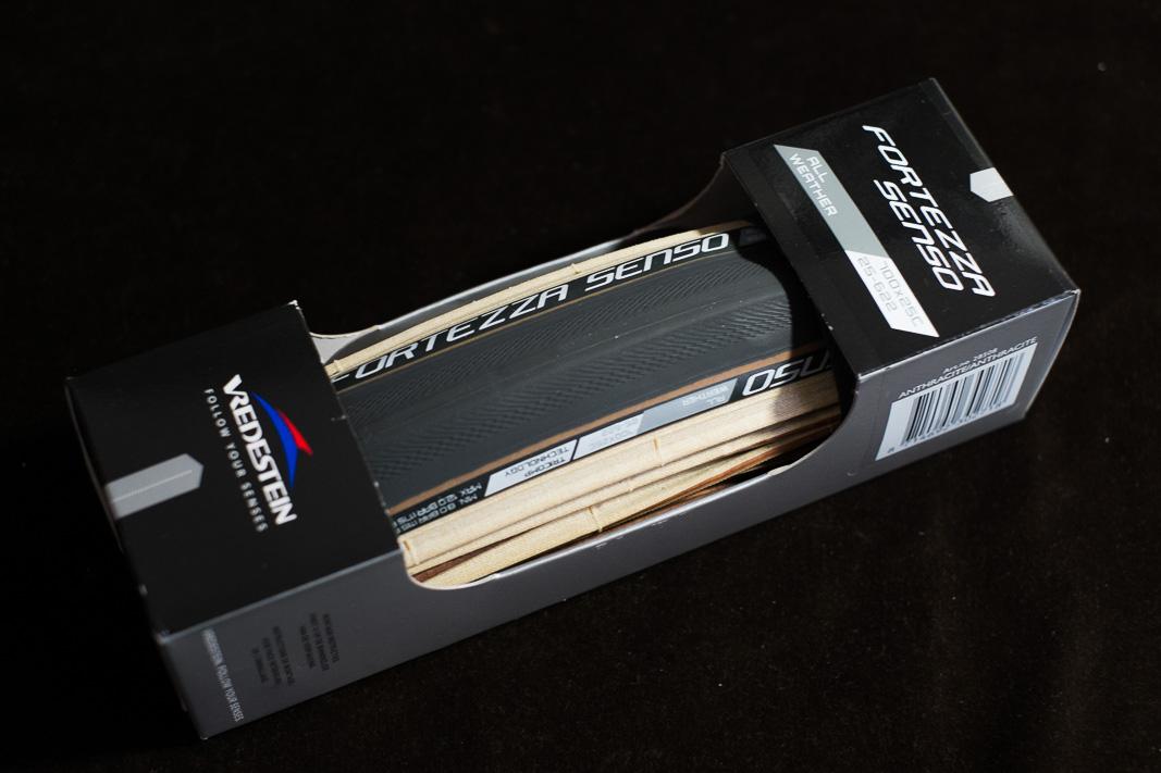 auf der suche nach reifen mit transparenten bremsflanken. Black Bedroom Furniture Sets. Home Design Ideas