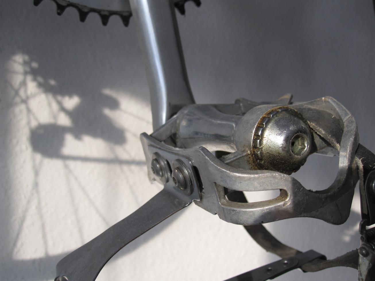 2012-02-11 01a Bridgestoneschatten.jpg