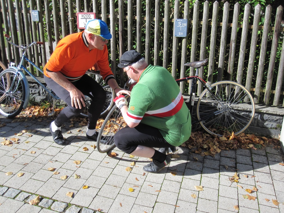 2013-10-19 20a Münchner Fahrradoldtimer-Ausfahrt.jpg