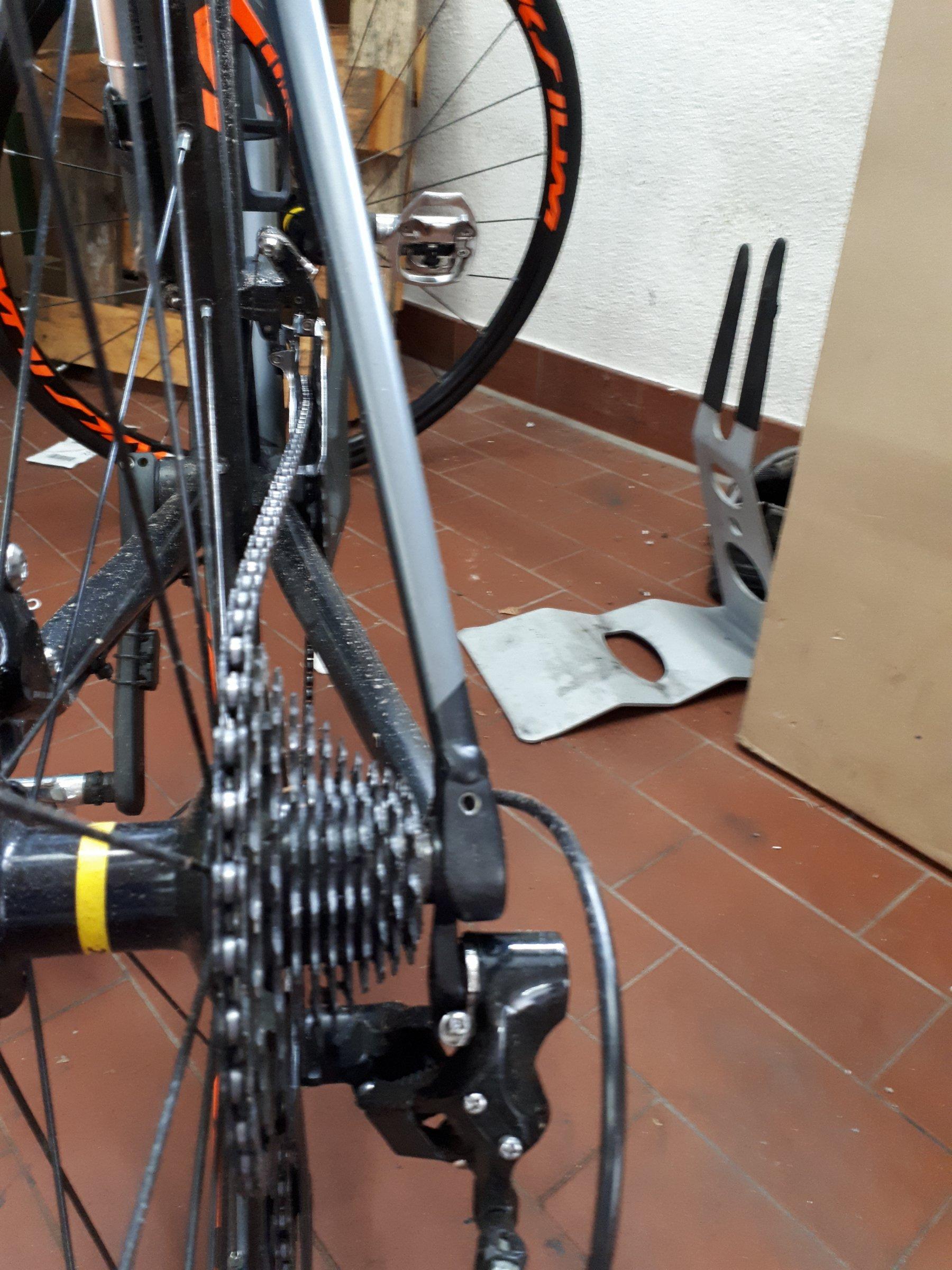Umwerfer 105 Kette schleift bei klein groß | Rennrad
