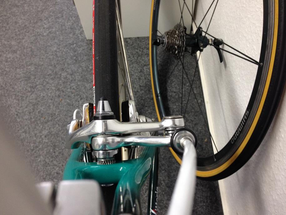 brake calliper_rear04.jpg