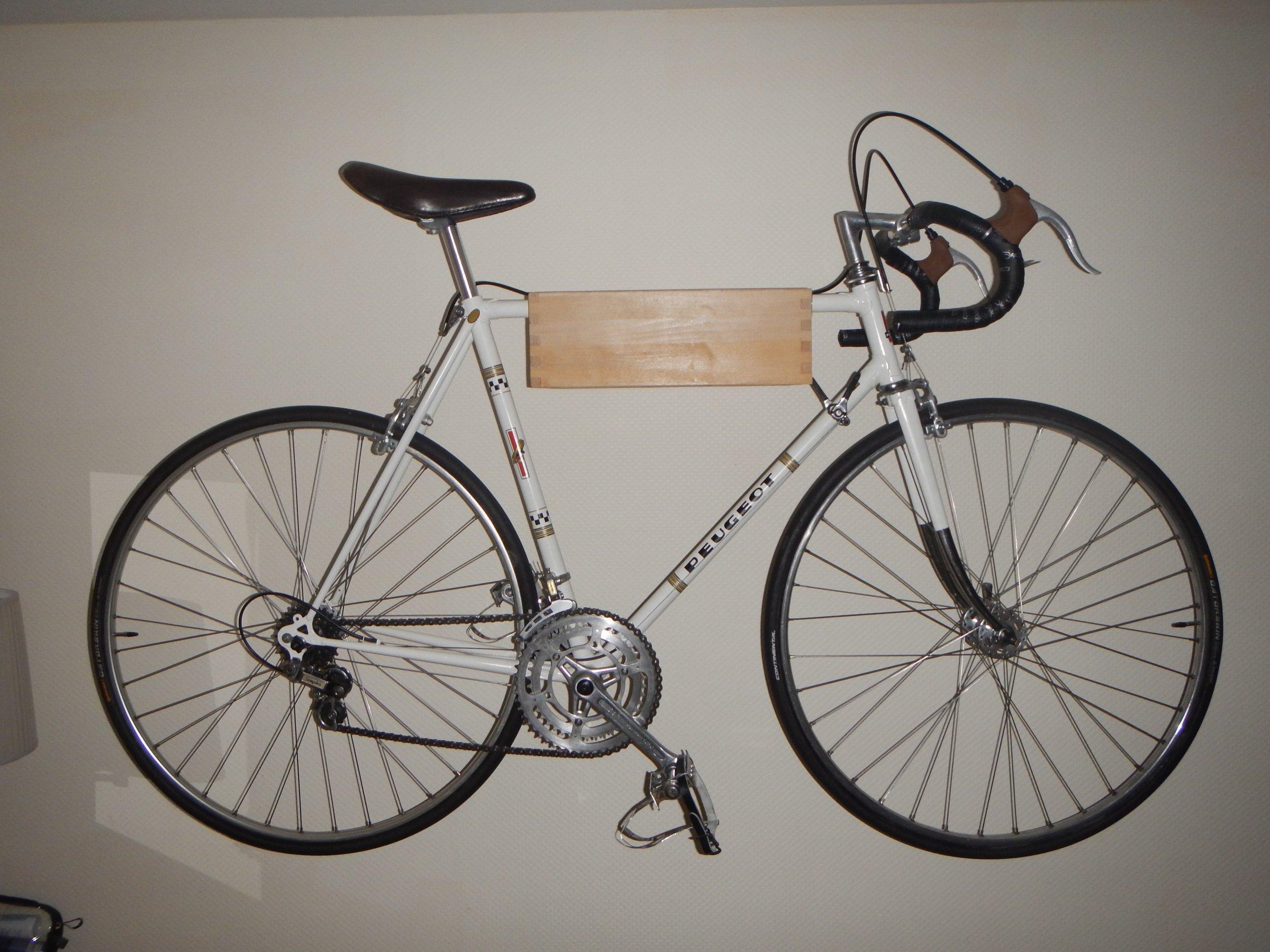 fahrrad wandhalterung zeigt eure eigenbauten seite 8 rennrad. Black Bedroom Furniture Sets. Home Design Ideas