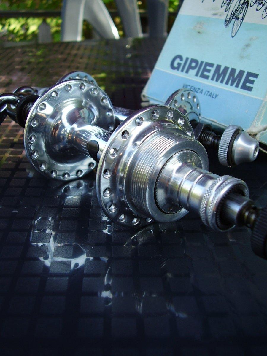 Gipiemme Cronspecial rear hub_Gipiemme Special front hub (3).JPG