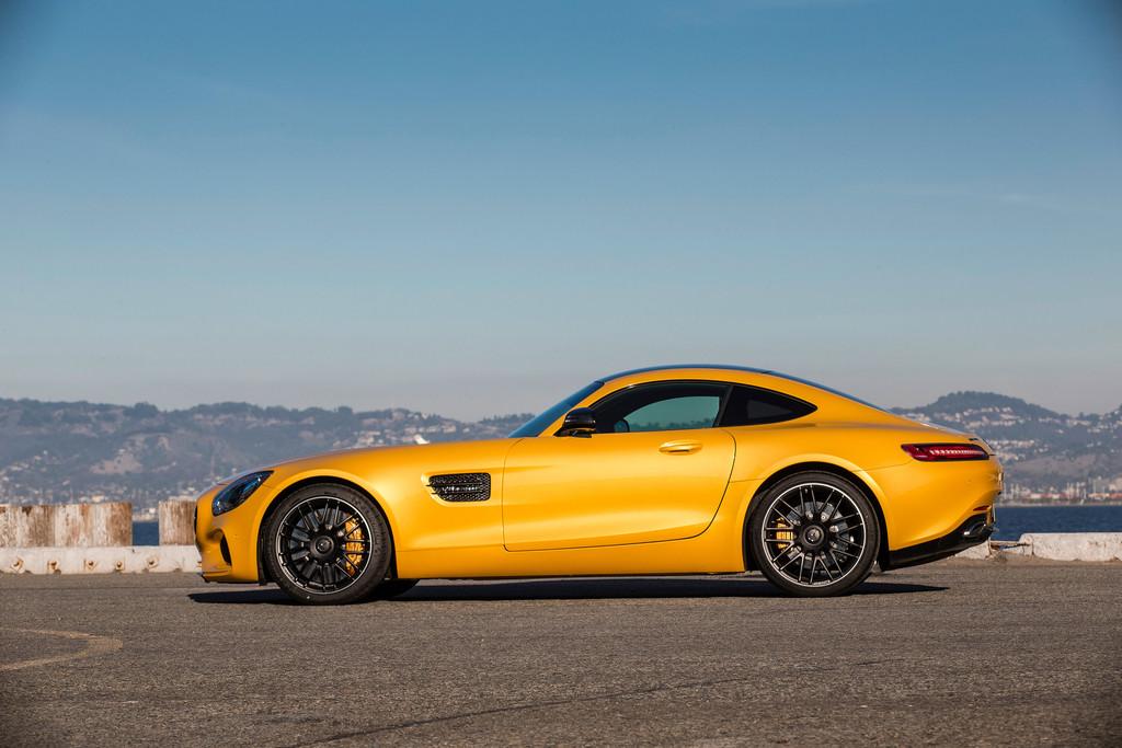 Mercedes-AMG-GT-S-in-gelb.jpg