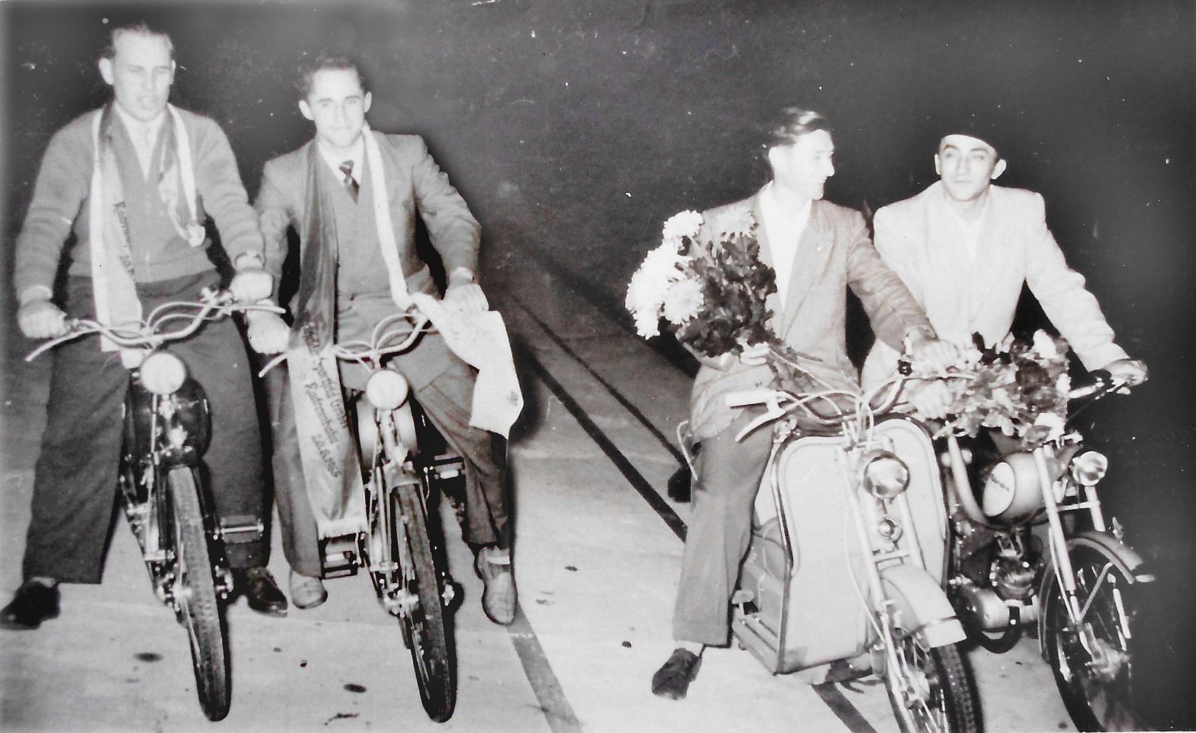 Mopedgeschicklichkeitsturnier  1955 Foto privat.