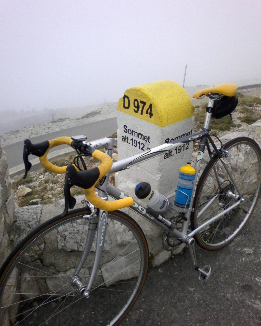Ventoux Rad am Gipfel.jpg