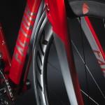 Aerodynamisch in Rahmen und Gabel integrierte V-Brakes