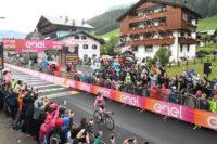 Yates schafft den Hattrick beim Giro