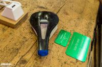 Tune Skyracer: 69 g Carbonsattel und Laufräder mit Textil-Speichen