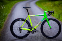 "Isaac Impulse Carbon – inspiriert von den ""Neonbonbons"" der Eighties"