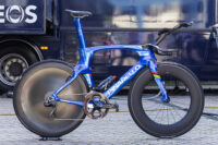 Blauer Blitz für den Giro: Pinarello TT-Bolide von Filippo Ganna