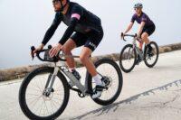 3T Exploro Racemax Boost: Aero E-Gravel Bike mit 9,9 Kilo